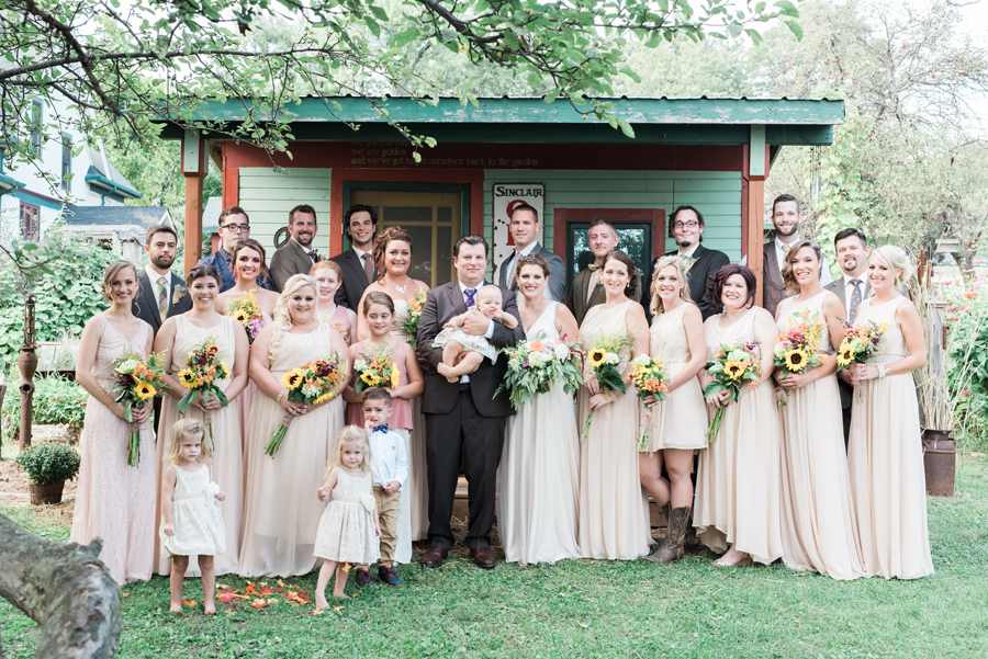 homegrown-illinois-backyard-diy-farm-wedding-waydown-wanderers-by-two-birds-photography027