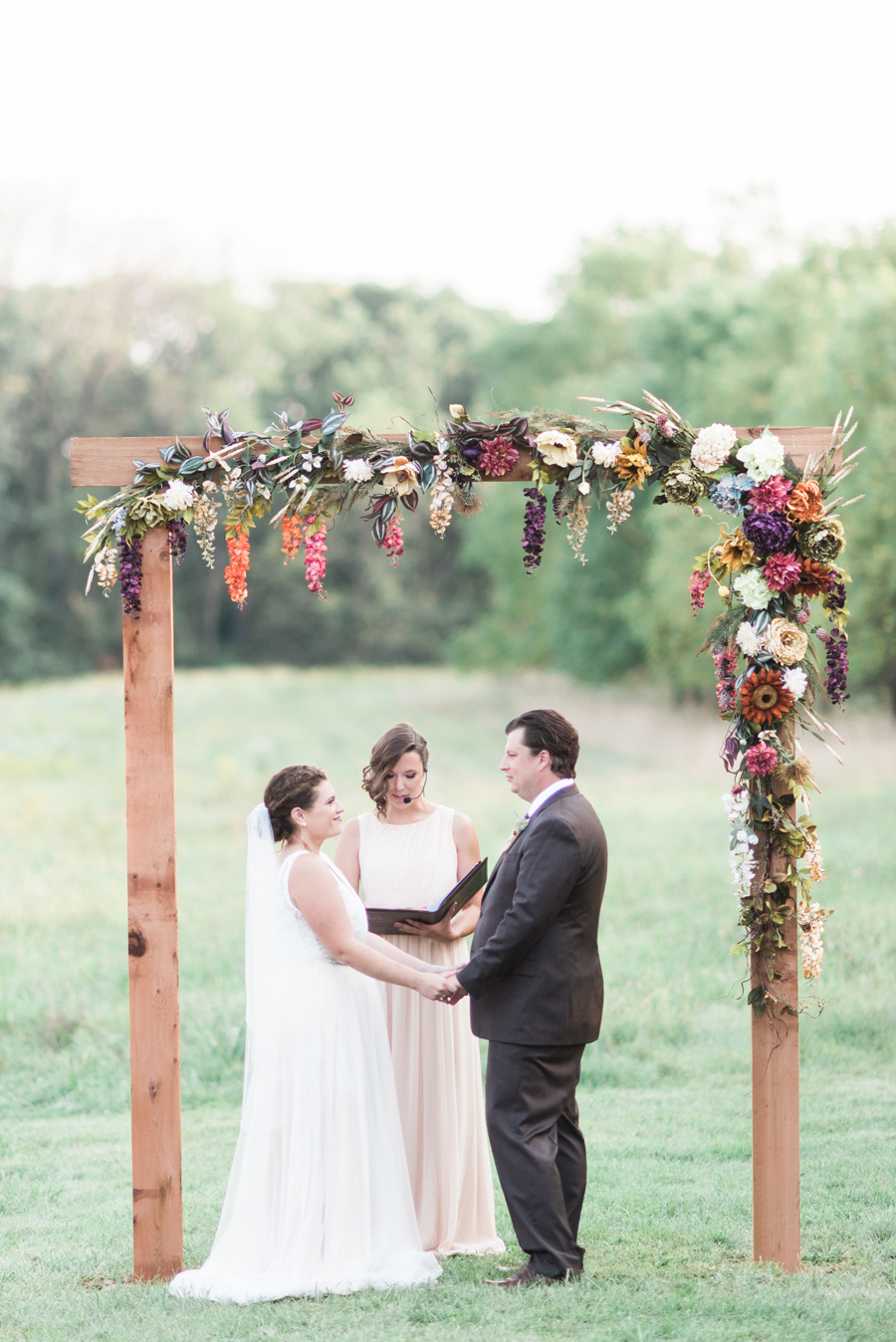 homegrown-illinois-backyard-diy-farm-wedding-waydown-wanderers-by-two-birds-photography044