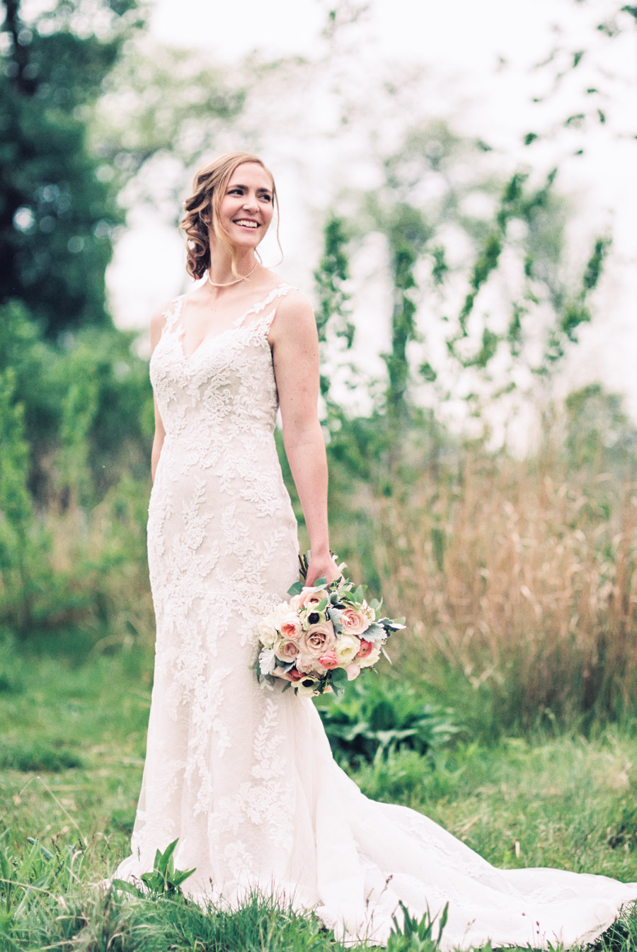 Portrait of bride at Lincoln Park in Chicago.