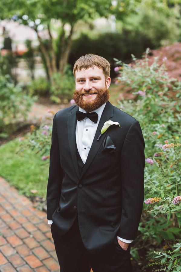 Portrait of groom at Kalamazoo College.