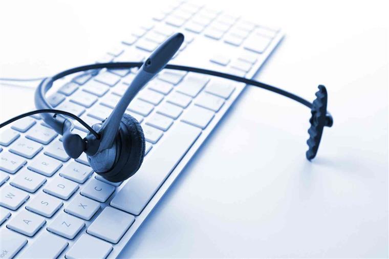 - Temos uma equipa sempre disponível para asssessorar os clientes com qualquer questão que surja em qualquer local