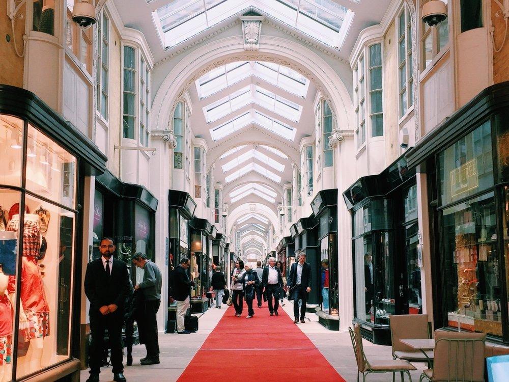 London_16-1200x900.jpg