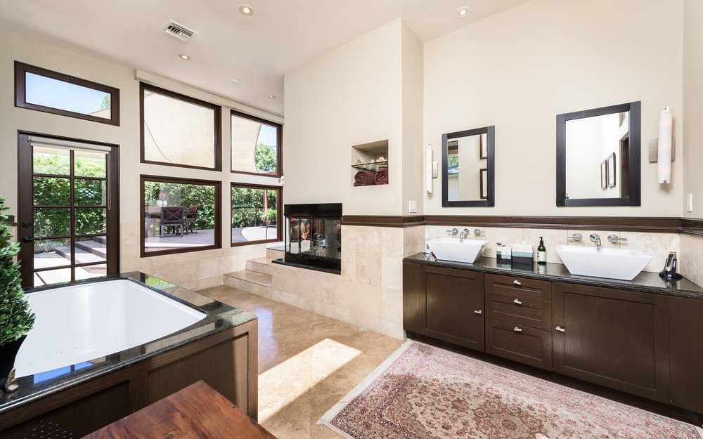5121 Auckland Ave - $820,000