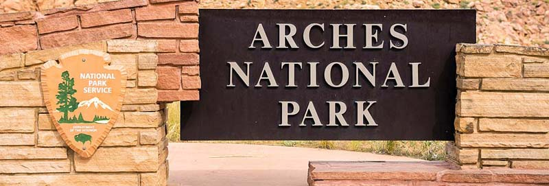 sign-arches.jpg