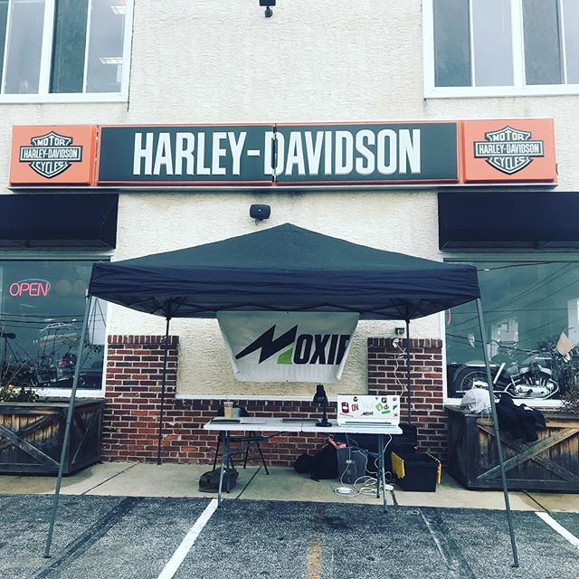 Come hang out! Here from 12-4, along with live music, food, and other vendors! #customvinyl #harleydavidson #saturdayfun