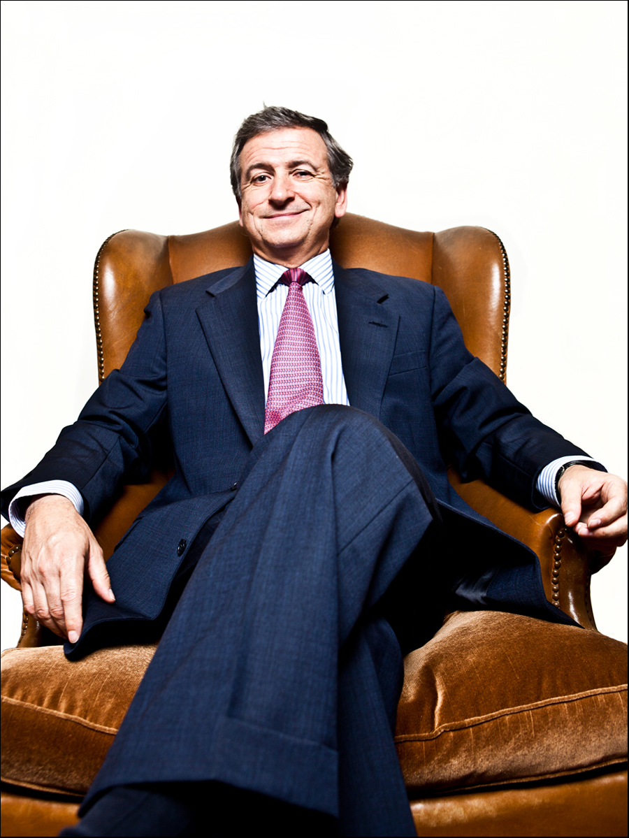 ari_portraits_felipe_larrain_ministro_economia.jpg
