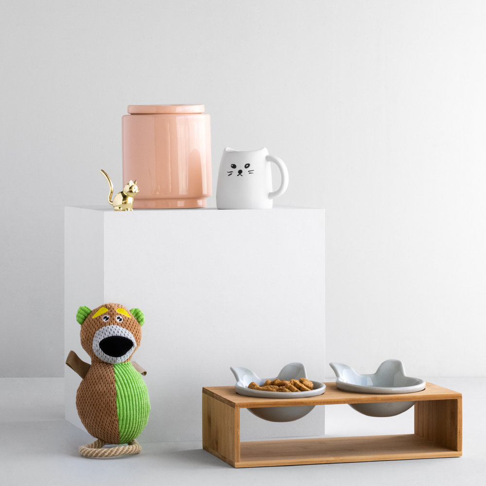 12.02_GiftGuides_Feed_03-Pets.jpg