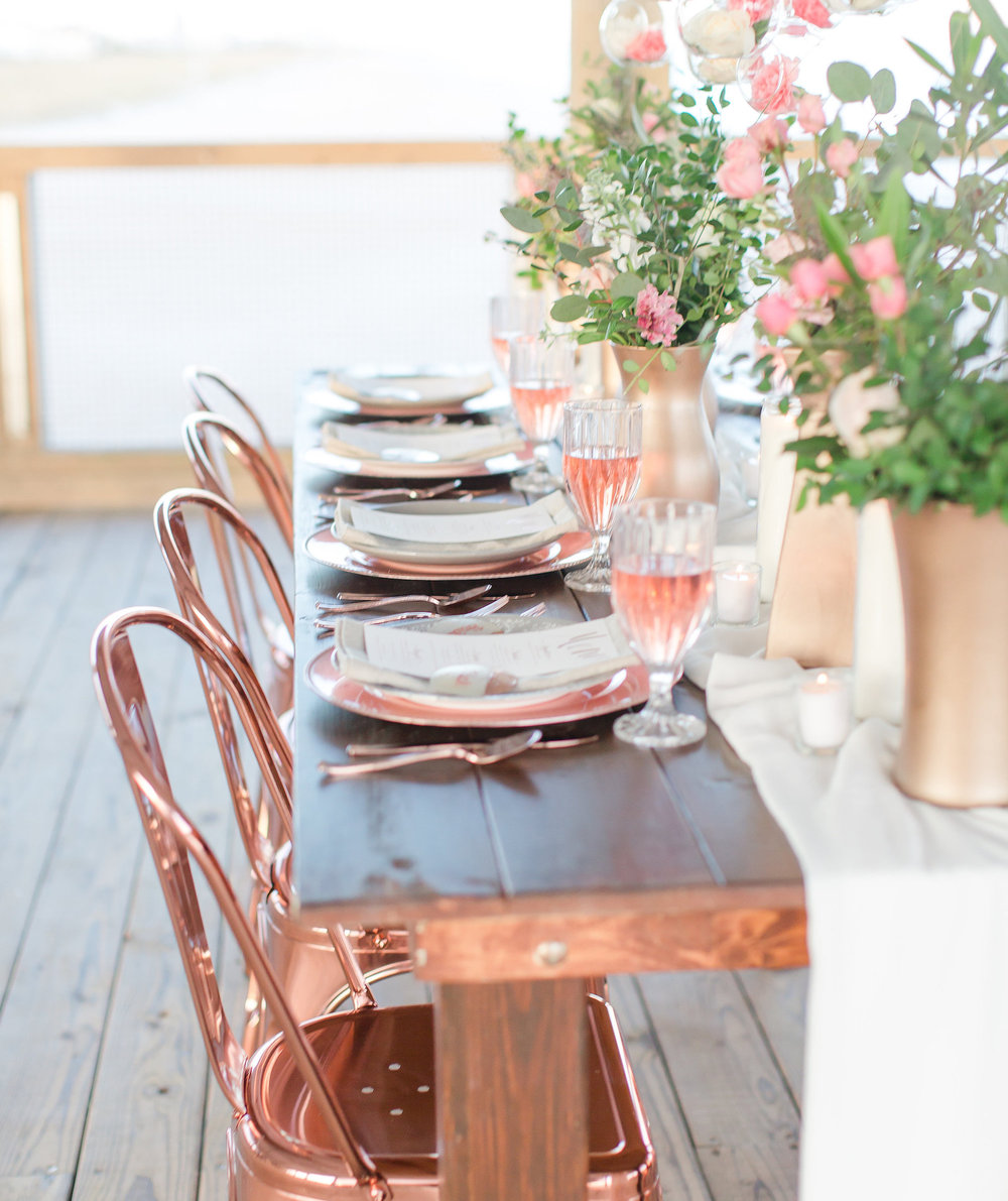Rose-Gold-Table-Decor