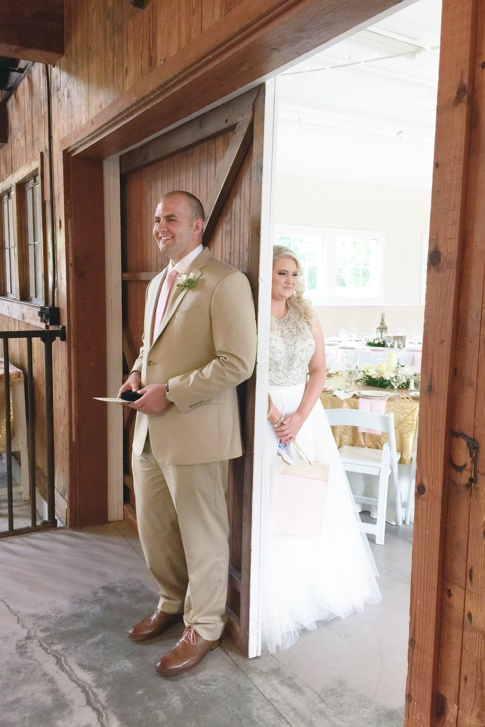 Blush-Barn-Wedding-7