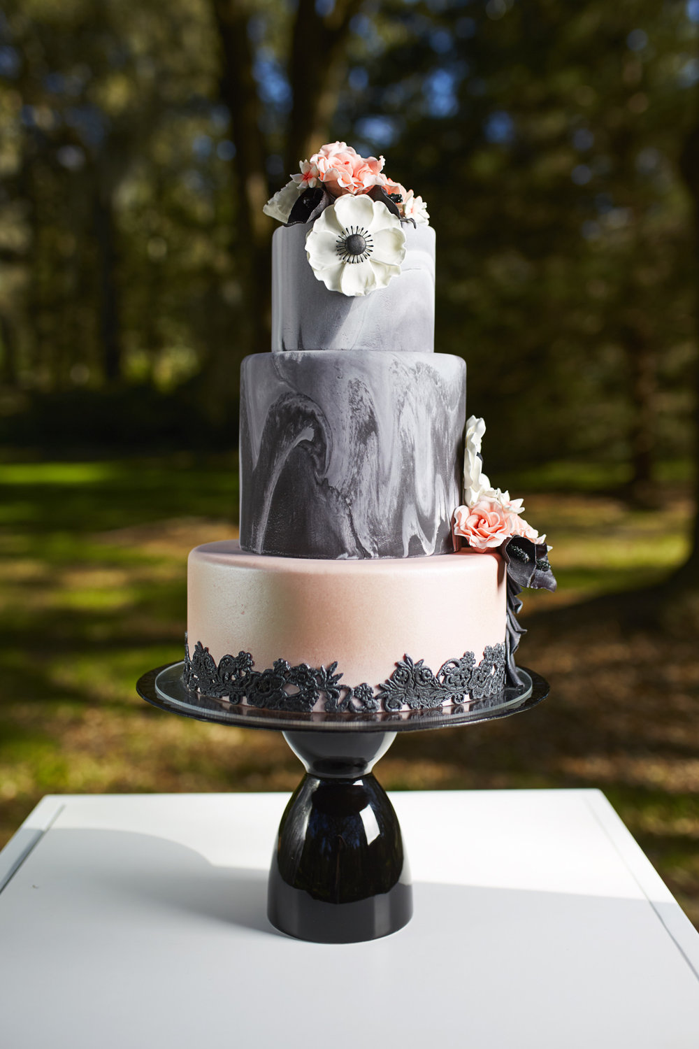 Trendy-Blush-Black-Airlie-Gardens-Wedding