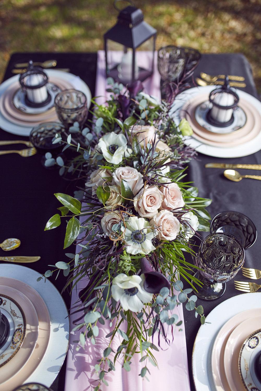 Trendy-Blush-Black-Airlie-Gardens-Wedding-1