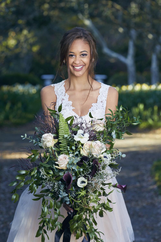 Trendy-Blush-Black-Airlie-Gardens-Wedding-8