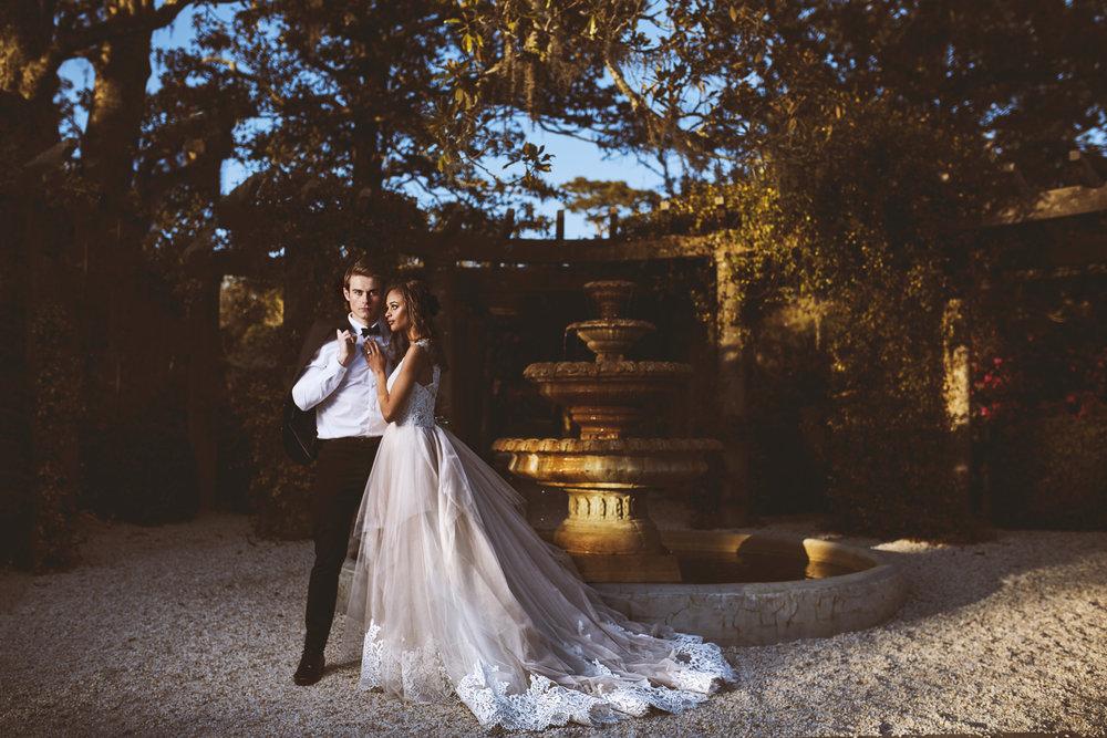 Trendy-Blush-Black-Airlie-Gardens-Wedding-12