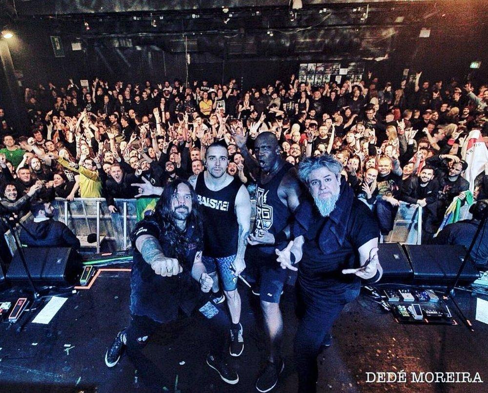 Ingressos esgotados em Dublin (Irlanda) para ver o show do Machine Messiah. Foto: Dedé Moreira