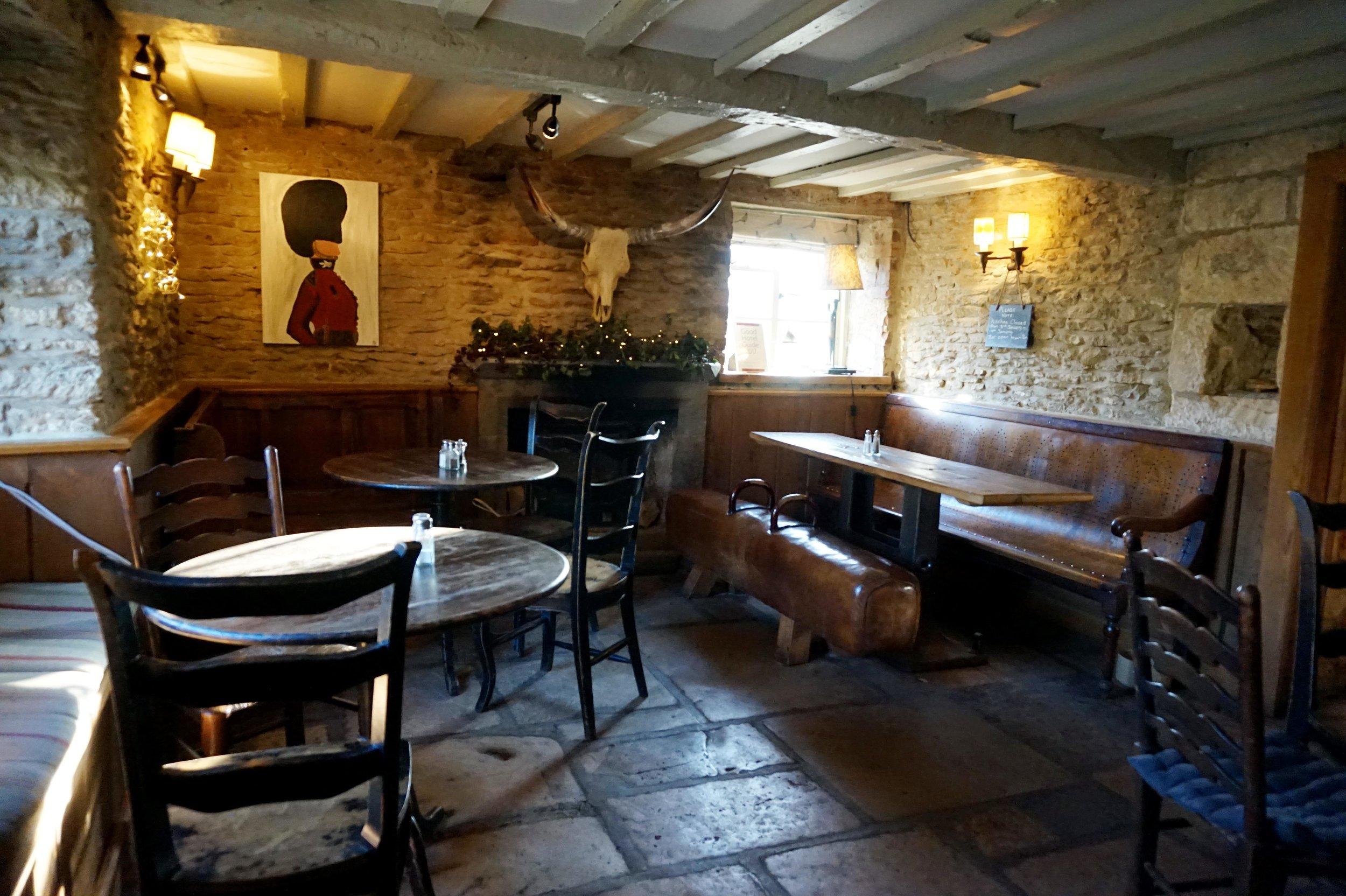 bynoelle-the-plough-inn-kelmscott-hotel-review14