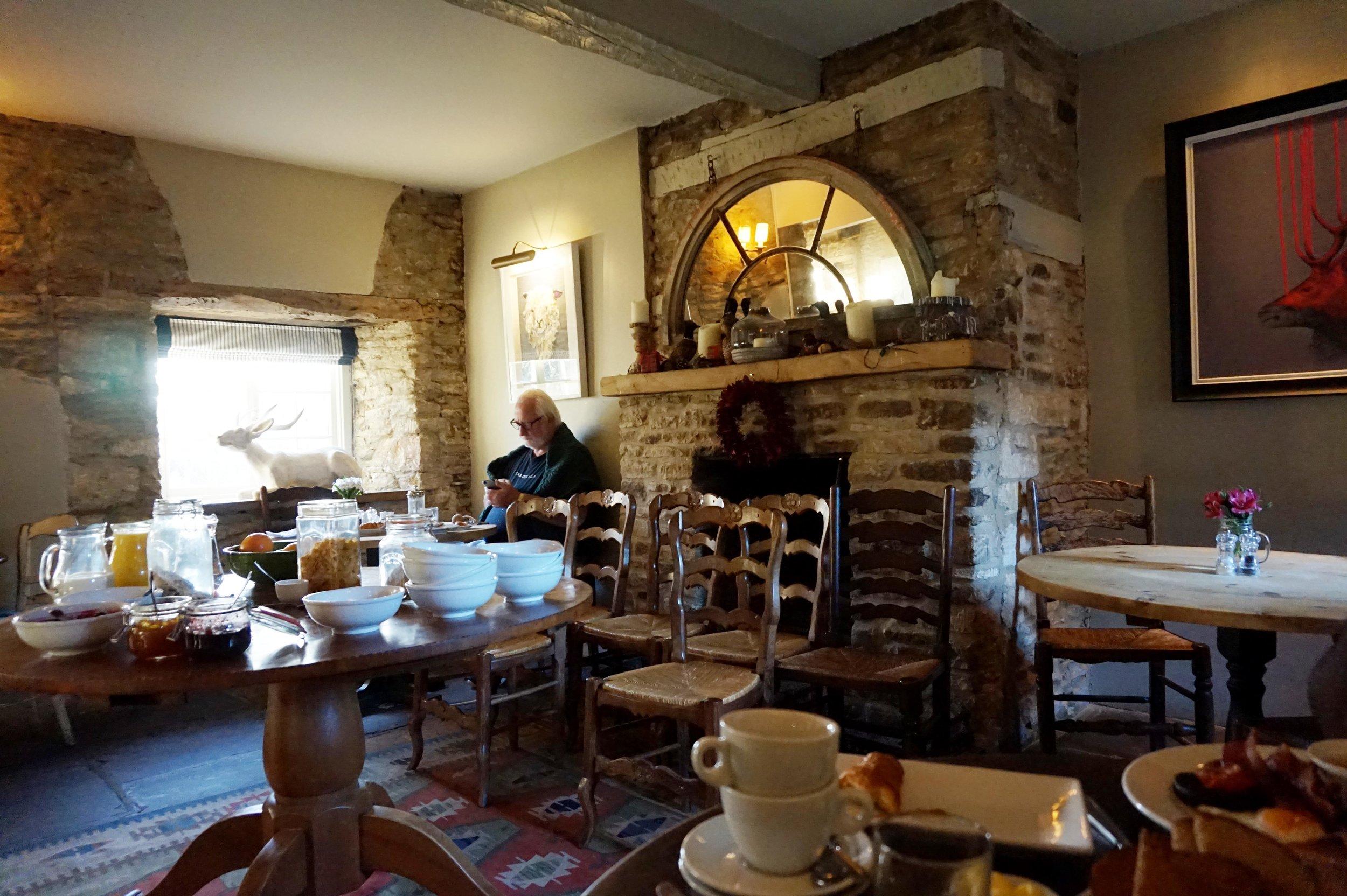 bynoelle-the-plough-inn-kelmscott-hotel-review8