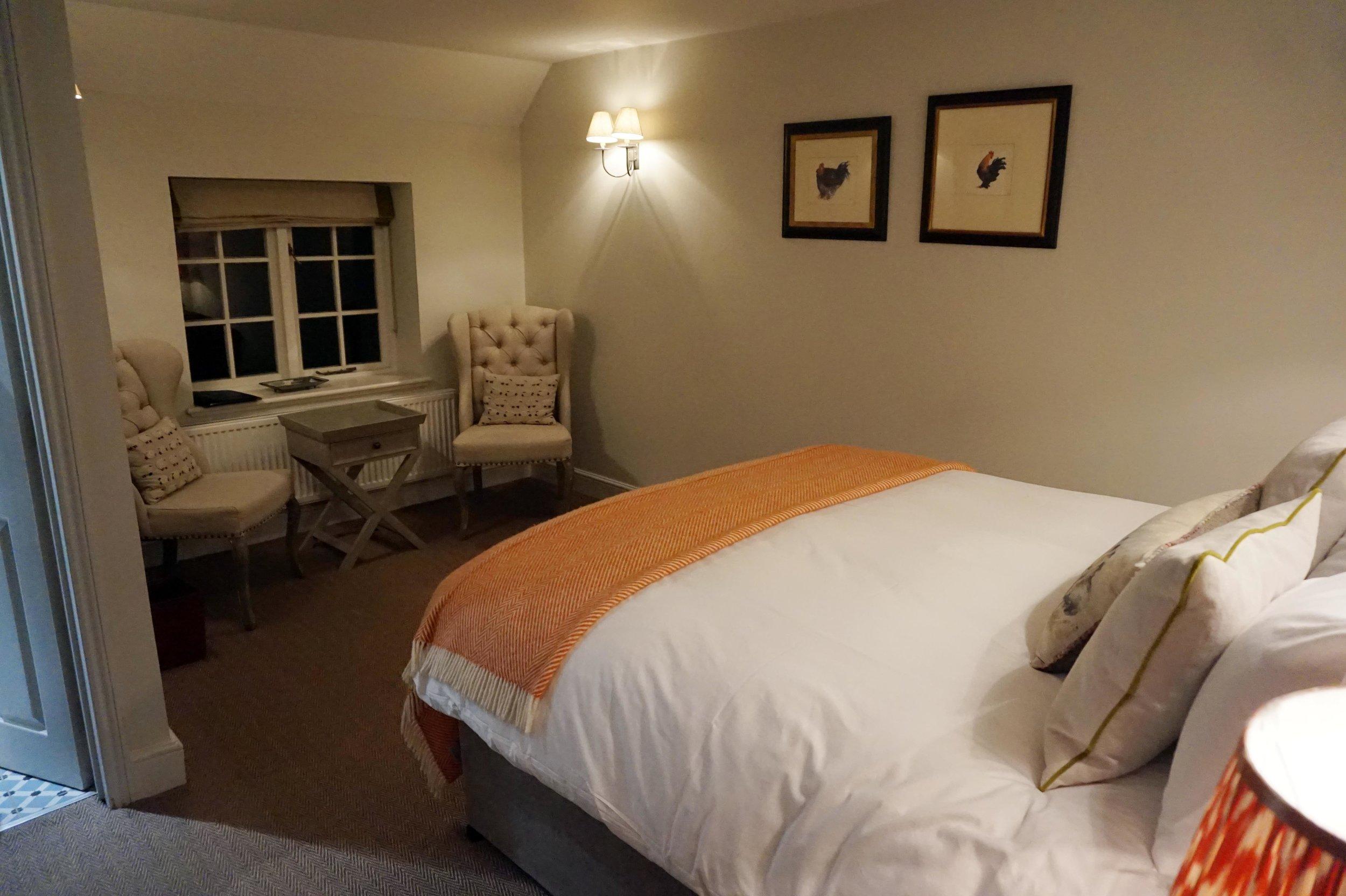 bynoelle-the-plough-inn-kelmscott-hotel2