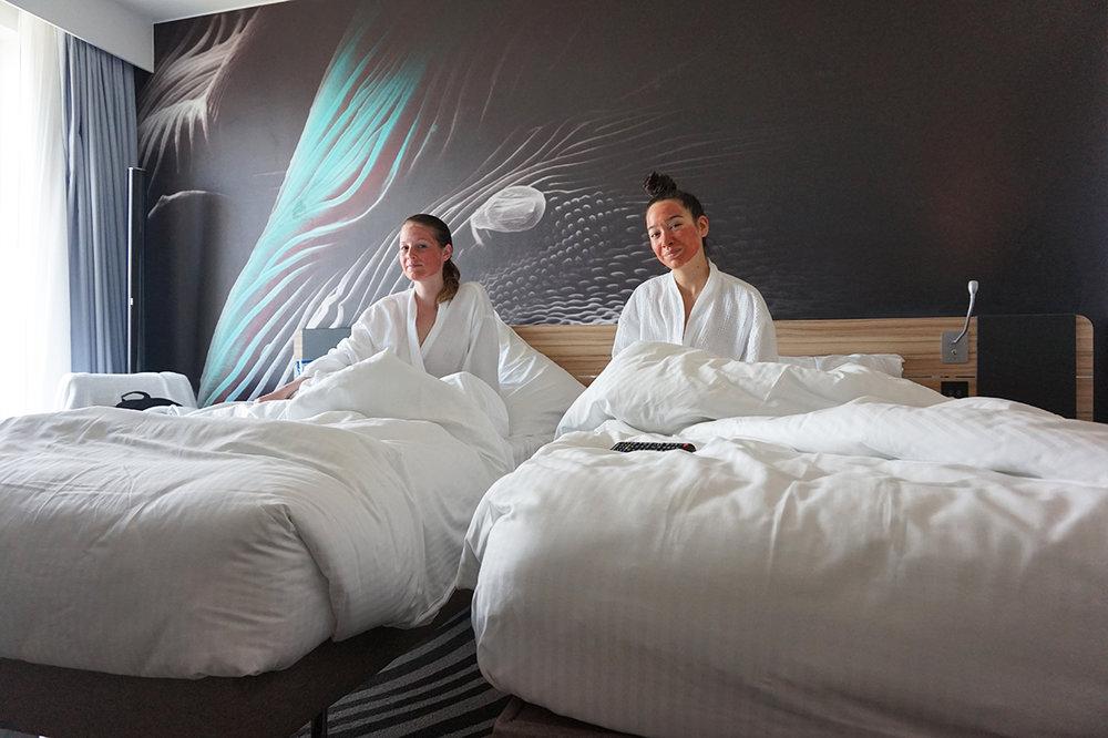 bynoelle-novotel-canary-wharf-hotel-room4.jpg