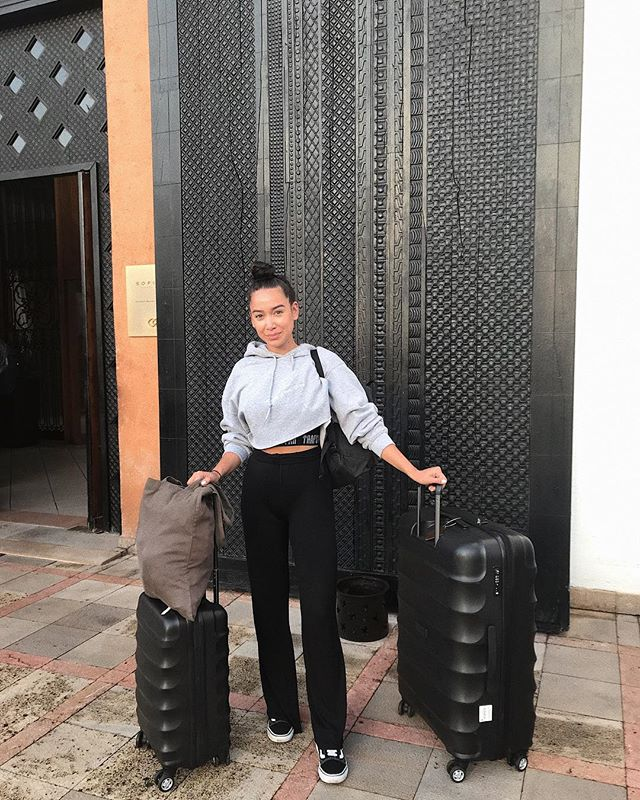 Quick appreciation post: G and I bought these suitcases years ago and travel frequently - the quality of these keeps surprising us and I'd urge anyone who's looking to buy a new suitcase to check out @antlerofficial ✌🏼#notsponsored just love em!