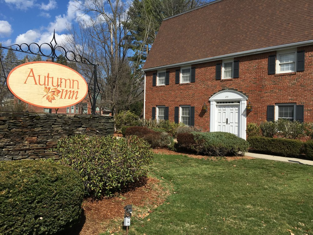Autumn Inn Front Summer 2.JPG