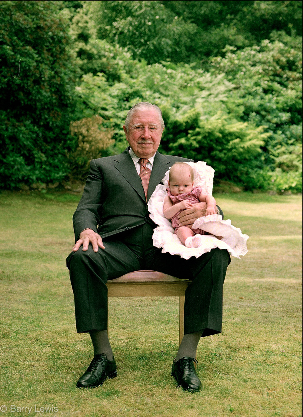 General Augusto Pinochet Ugarte, dictator of Chile, under house arrest in England 2000 with his granddaughter.