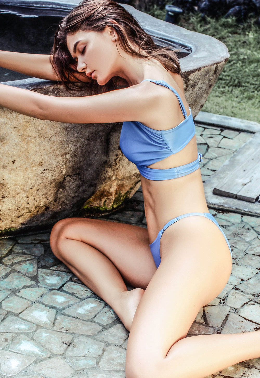 Ipanema style in papercut/surf blue