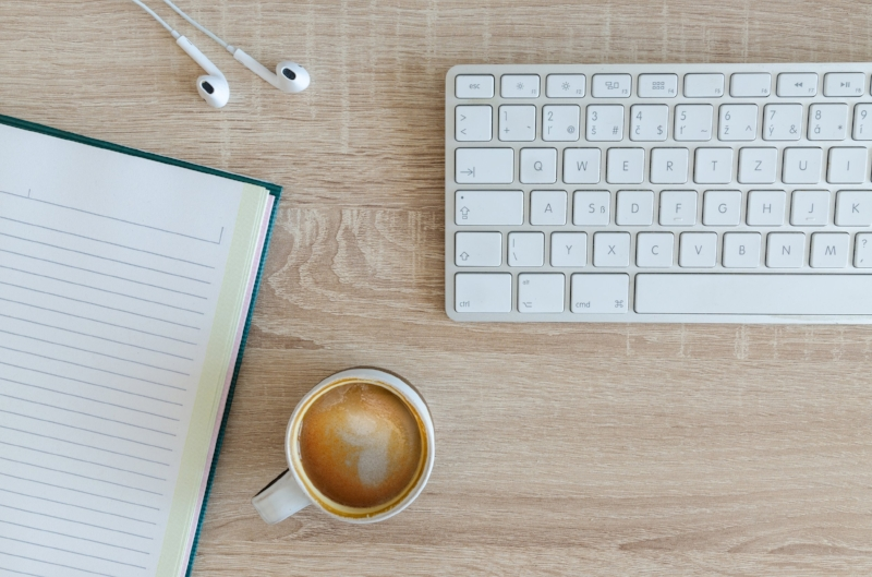 increase blog engagement social media
