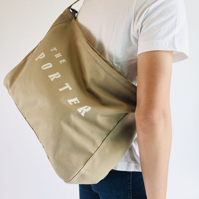 The porter for man .  #shortmessenger #messengerbag #bicyclebackpack #backpack #canvasbackpack #theporter #etsysellersofinstagram #etsy #handmade #minimalist