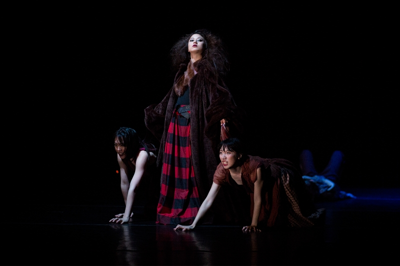 """Winter"" - Choreographed by Leslie Kraus- Lighting Design by Peter Braciliano- Photography by Tim Summers- University of Washington MFA Dance Concert- Spring 2017"