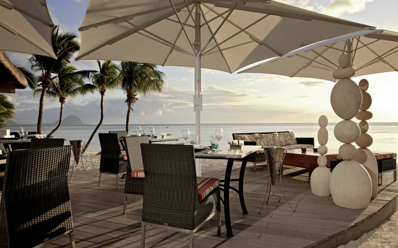 sugar-beach-resort-and-spa-beach-dining.jpg