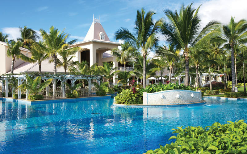 sugar-beach-resort-and-spa-pool.jpg