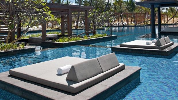 long-beach-mauritius-pool7.jpg