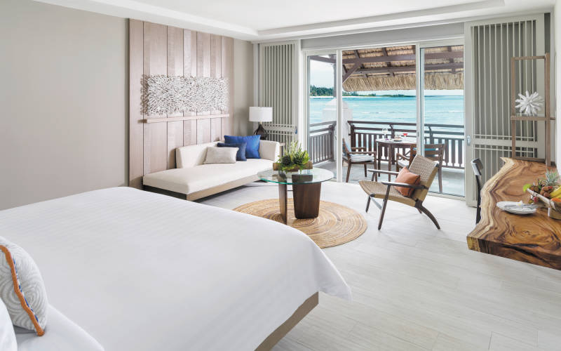shangri-las-le-touessrok-resort-and-spa-deluxe-room-hibiscus-wing.jpg