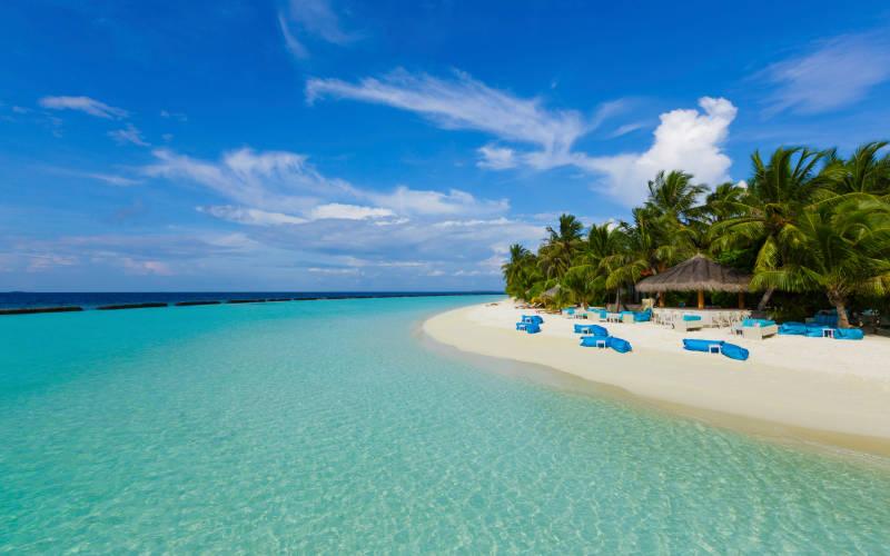 kurumba-maldives-athiri-rbar.jpg