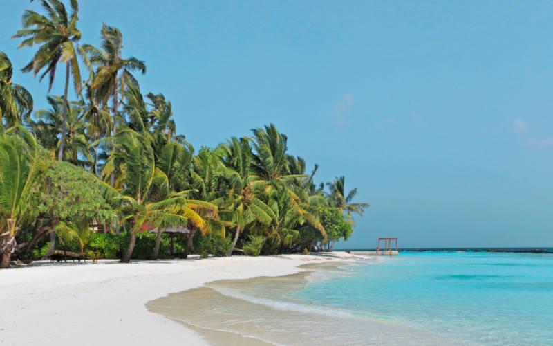 kurumba-maldives-beach.jpg