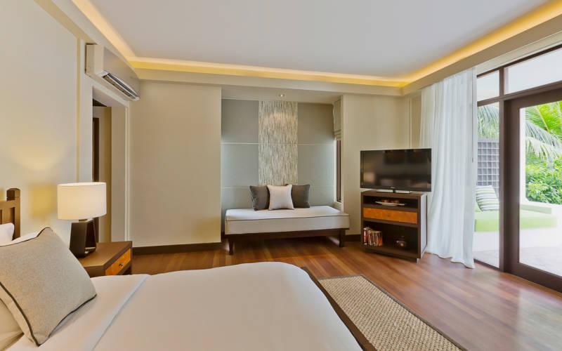 kurumba-maldives-superior-room.jpg