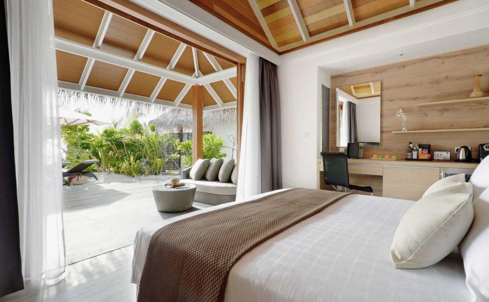 kandolhu-maldives-island-jacuzzi-beach-villa2.JPG