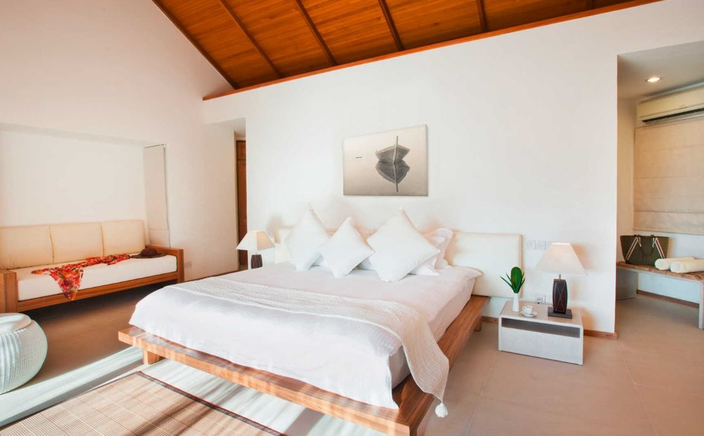 Maafushivaru-island-resort-beach-villa.JPG