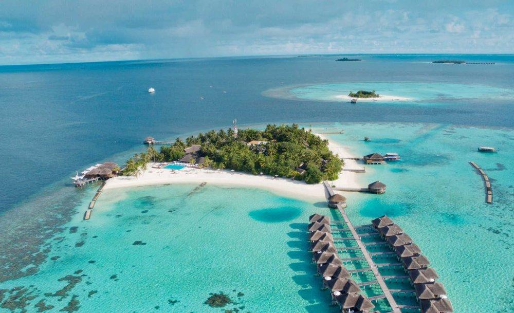Maafushivaru-island-resort.JPG