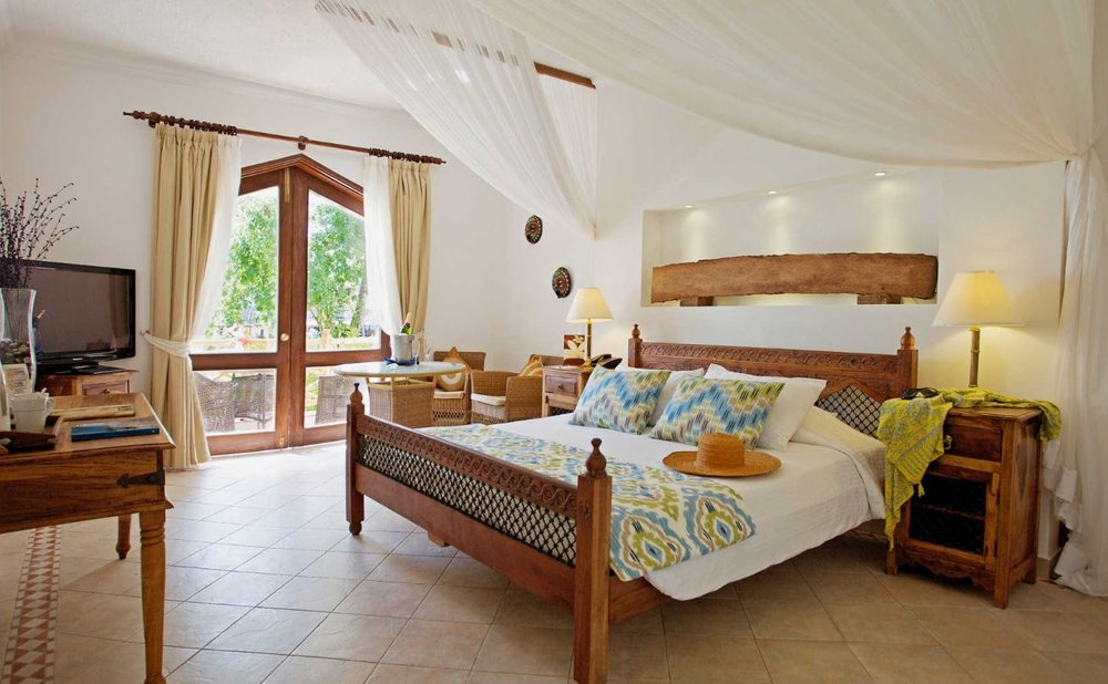 bluebay-resort-zanzibar-superior-room2.JPG
