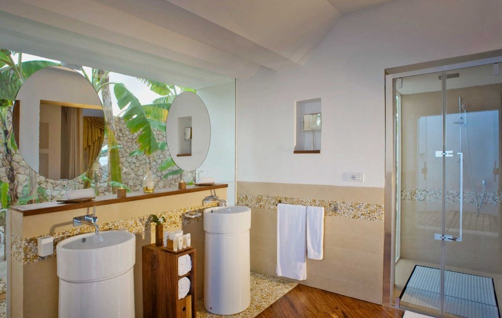 diamonds-star-of-the-east-villa-bathroom.JPG
