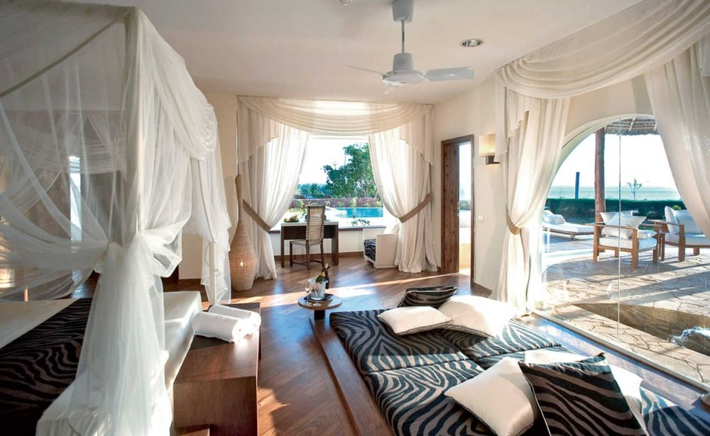 diamonds-star-of-the-east-villa-bedroom.JPG