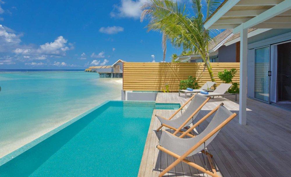 kuramathi-maldives-pool-villa2.JPG