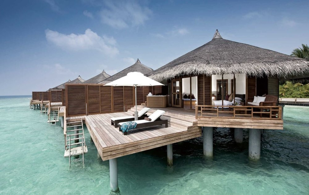 kuramathi-maldives-water-jacuzzi-villa.JPG