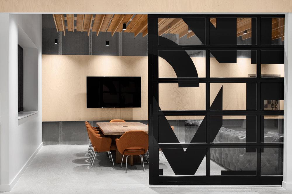 OM-14_Presentation Room_SM.jpg