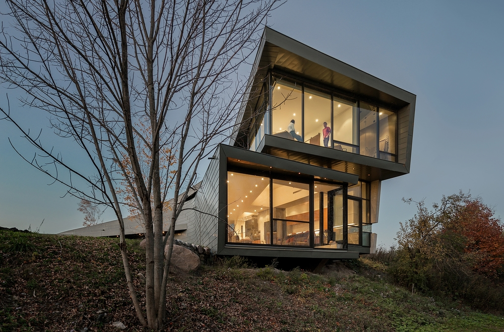 Port Hope House    Perched at the edge of Lake Ontario