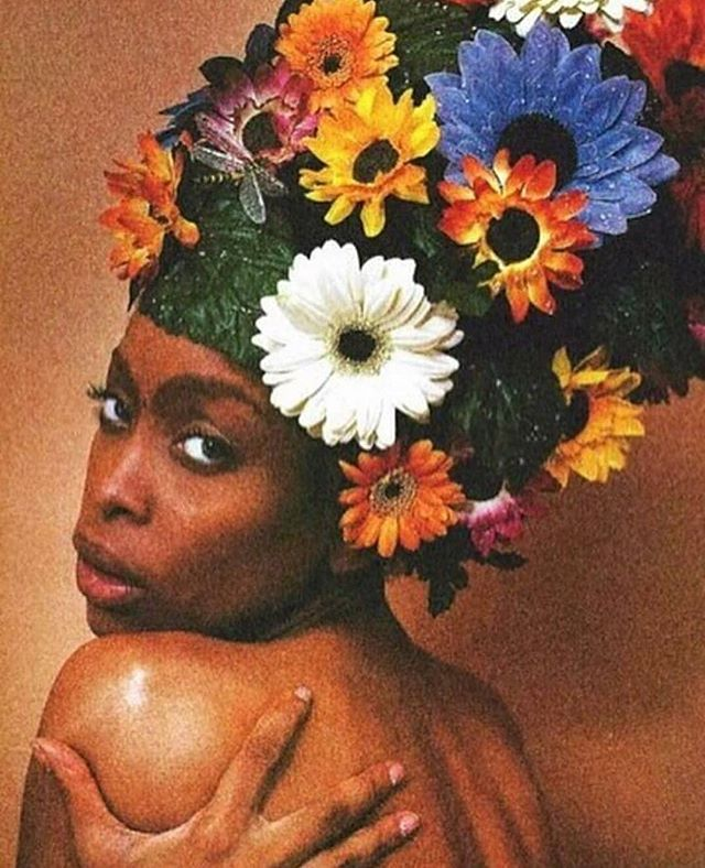 If you want to feel me, Baby, better be divine  Bring me water, for these flowers growing out my mind  Give me nothing, just be gentle Breathe love in my air Use me, Don't abuse me, Love me 'Cause these herbs are rare  Happy BEarthday, Muva E!🦄🌕👑👳🏾‍♀️💖 #ErykahBadu