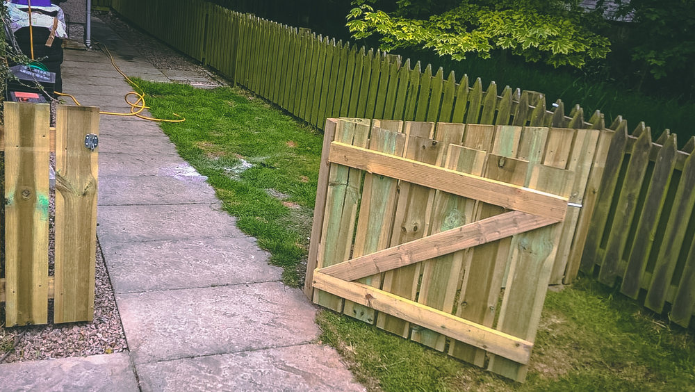 Hatton of Fintray Fencing & gate