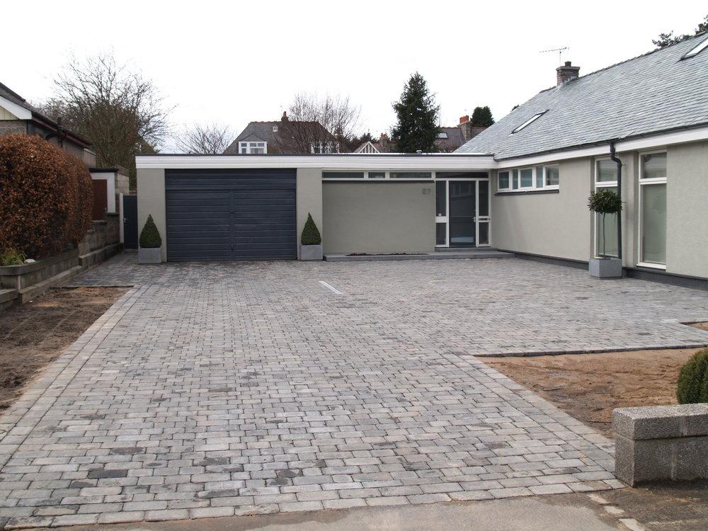 Lockblock driveway, grey