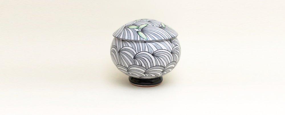 round lidded jar.jpg